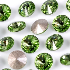 Strass Rivolli Swarovski art. 1122 base conica Peridot SS29D6,20mm