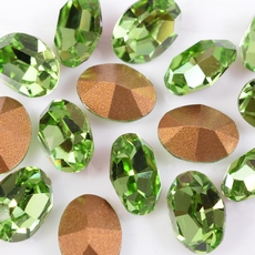 Strass Oval Swarovski art. 4100 base conica Peridot 8x6mm