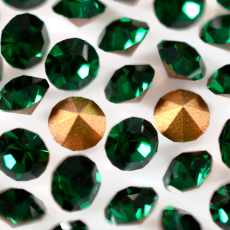 Strass Mc Chaton Optima Preciosa art. 431 11 111 base conica Emerald SS 6,5  2,00mm